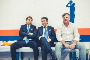 coach Riga con il team manager ed il presidente