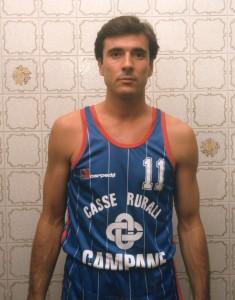 Gianni Tassi con la canotta di Battipaglia