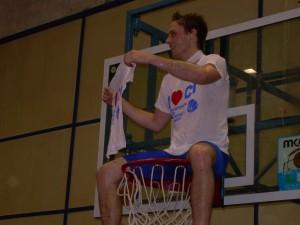 Esteban Pierdominici dopo la vittoria in finale con Meomartini