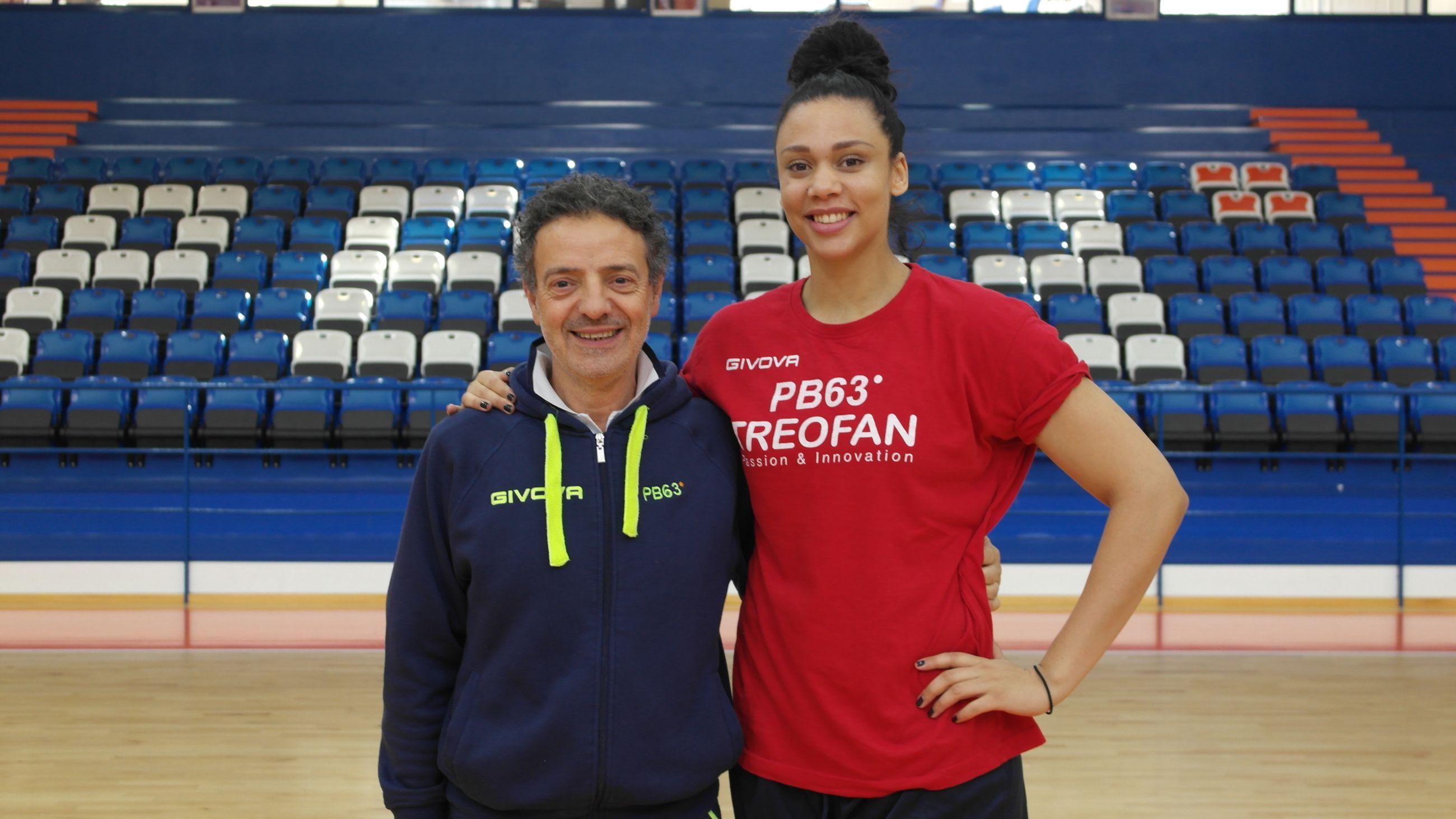 Danielle Hamilton-Carter con coach Riga