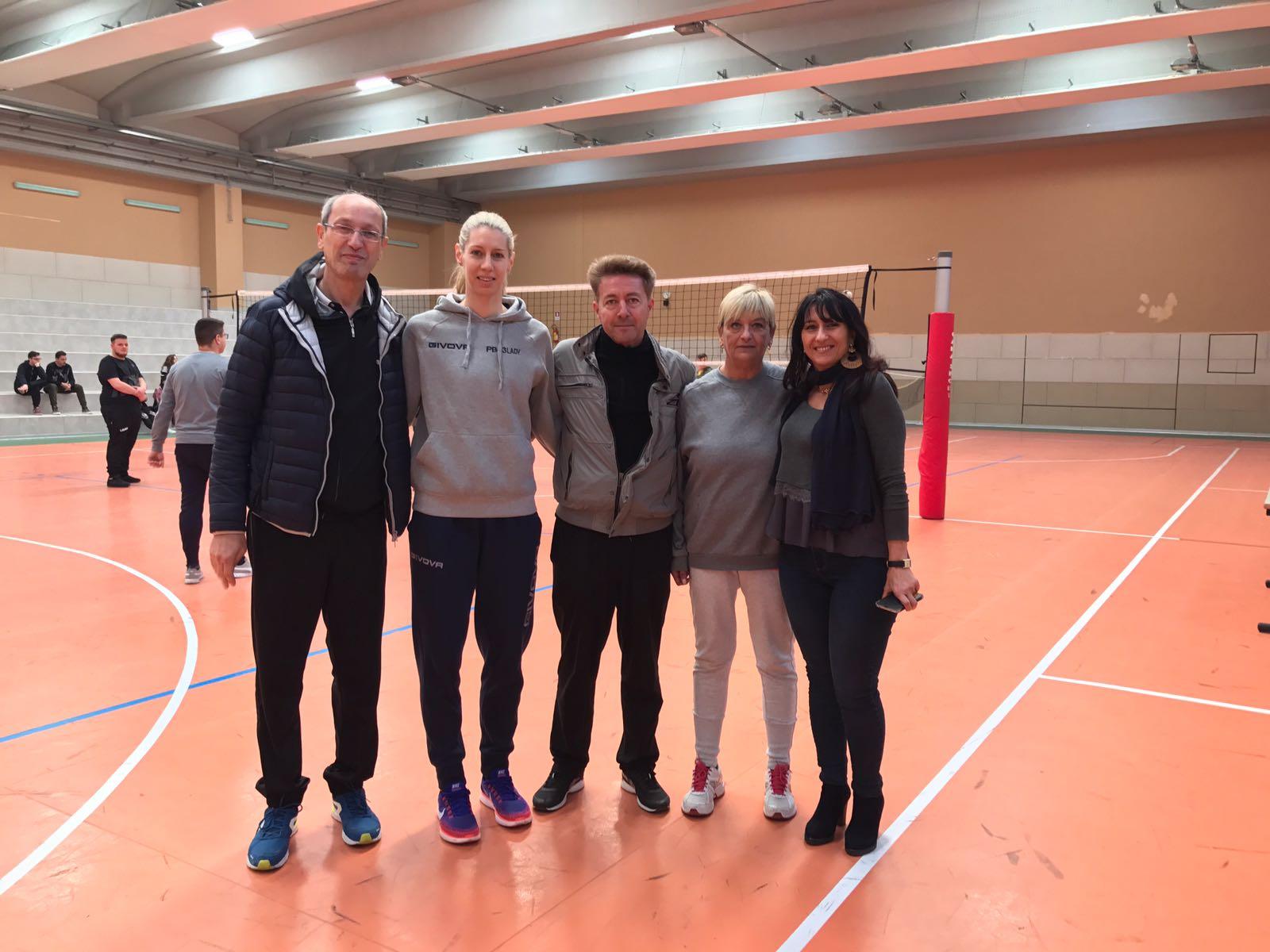 Katerina Sotiriou con i professori dell'Istituto Ferrari
